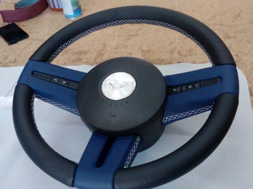 Tapizado volante MUSTANG